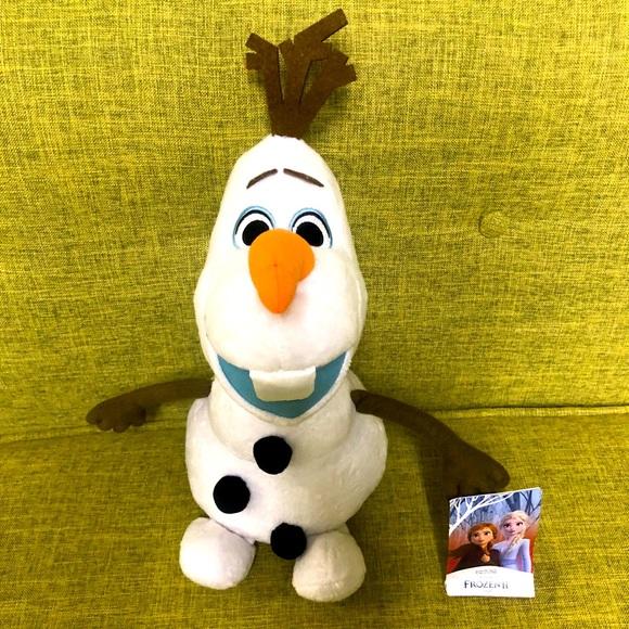 Olof Frozen II Stuffed Animal EUC NWT Christmas